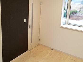 家族が増えたため、部屋数を増やした内装リフォームです。